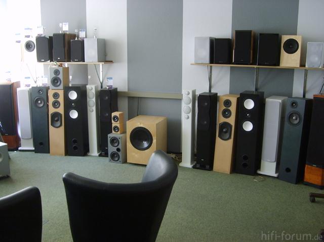 Akustik Art Kiel -Hifi-Hörraum Gesamtansicht Vorführboxen