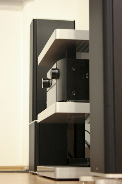 suchte hersteller jetzt selbstbau vom hifi rack racks geh use hifi forum. Black Bedroom Furniture Sets. Home Design Ideas