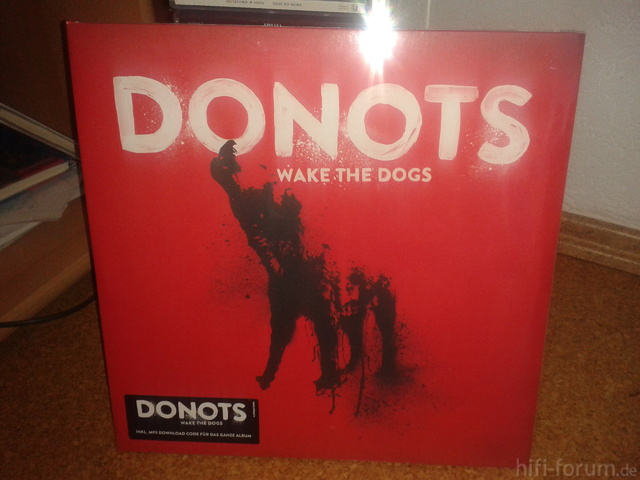 Donots - Wake The Dogs