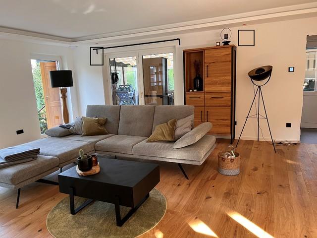 Bereich Hinterm Sofa