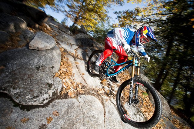 Aaron Gwin F%C3%A4hrt Das Specialized Demo 8