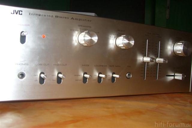 JVC VN300 3 (Small)