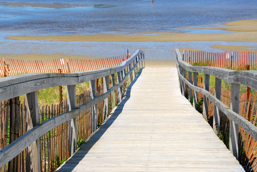wooden-boardwalk-over-sand-dunes-maine-me354