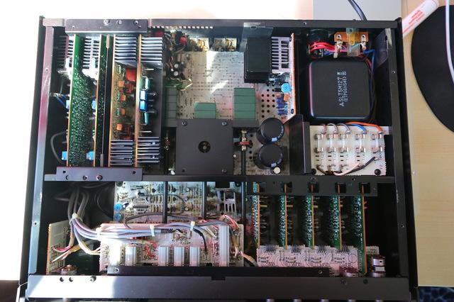 [Bild: technics-su-a4-inside_771034.jpg]