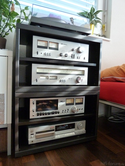 Vintage Technics im Ikea Besta-Regal (2)