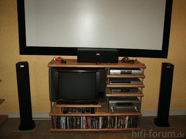 Neues Rack Und TV