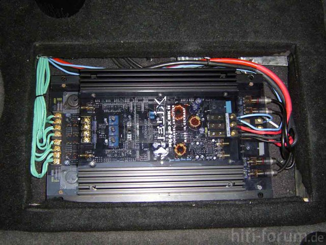 Frontsystem Amps Im Beifahrerfussraum