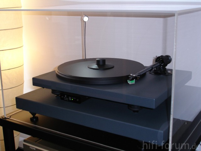 Pro-Ject 2 Xpression Mit Absorberbase & Acryldeckel - Seitenansicht