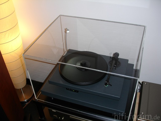 Pro-Ject 2 Xpression Mit Absorberbase & Acryldeckel - Topansicht