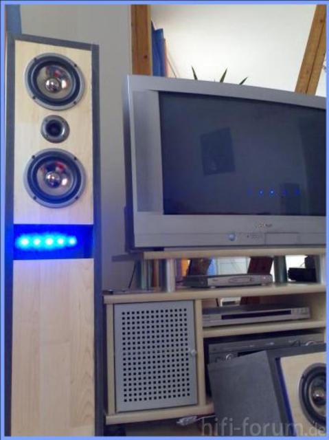 Frontsystem Unseres Heimkinosystems Mivoc JB25TL