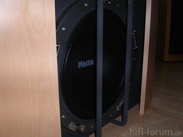 Magnat Omega 530