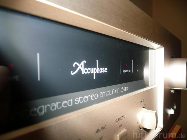 Accuphase E 210
