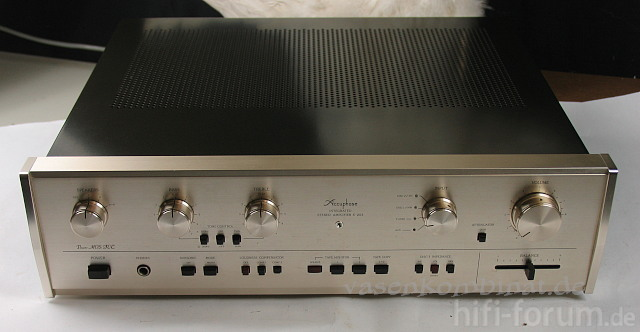 Accuphase E203