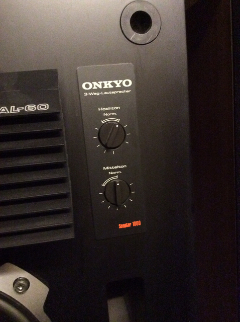 Onkyo SC 1000 Details