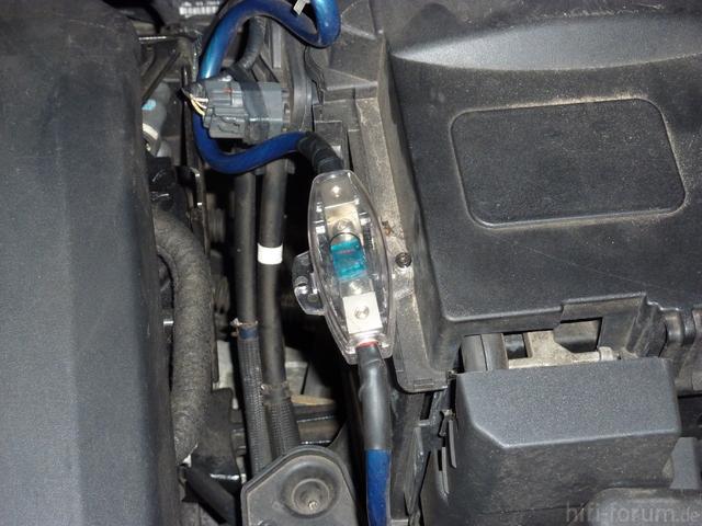 Sicherungshalter Motorraum