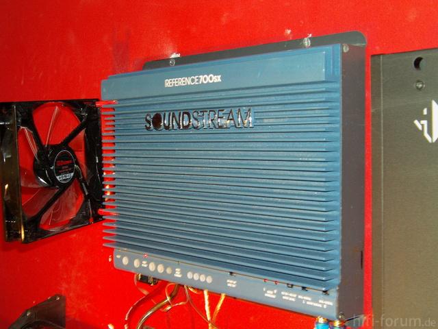 Soundstream 700