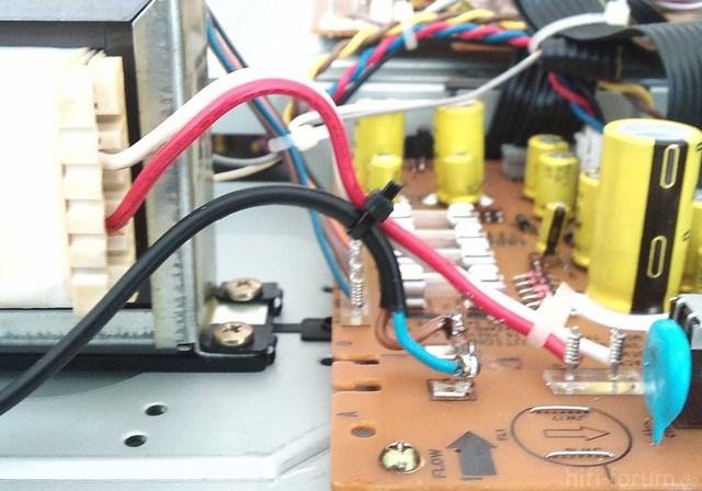 Akai GX 95 Stromkabel Kabelbinder