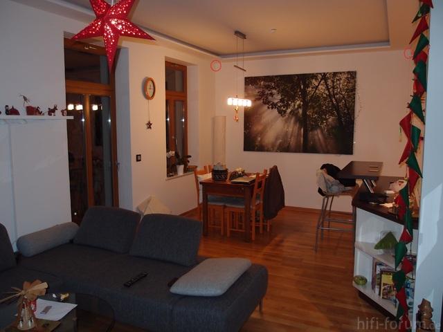 Wohnzimmer Mit Kreisen In Dem Ecken 2