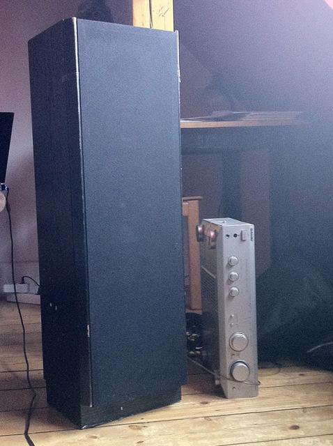 Lautsprecher CD 240 VORNE + Abdeckung