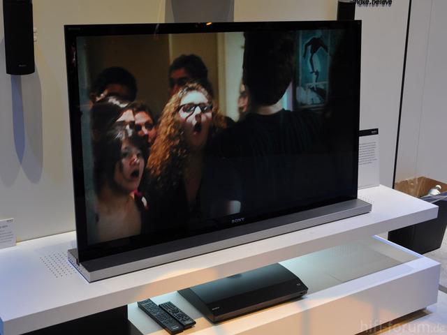 Das Neue Topmodell 3D BRAVIA XBR 55HX929  Ausgestattet Mit X PRO Reality