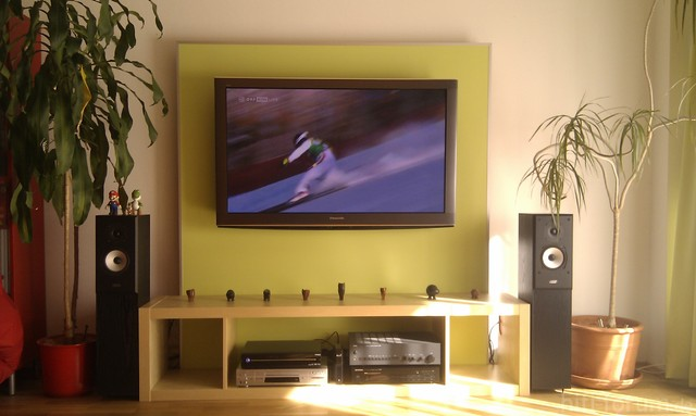 Selbstgebaute TV Wand