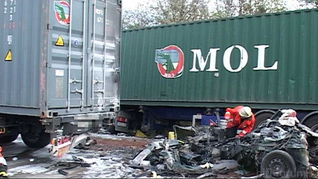 LKW Vs PKW Crash