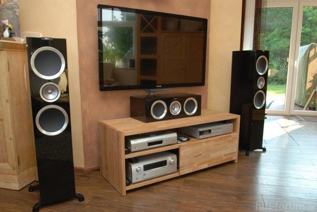 "Philips 52"", Denon AVR-3311, Denon BDP-2012UD, KEF R900, KEF R600C, Reel Avantgarde II"