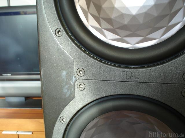 FS 210 CE Detail Lackierte Schrauben-2