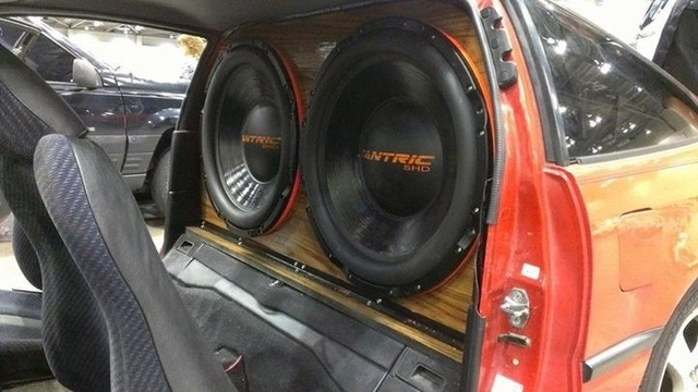 custom subwoofer bis 24 car hifi subwoofer geh use. Black Bedroom Furniture Sets. Home Design Ideas