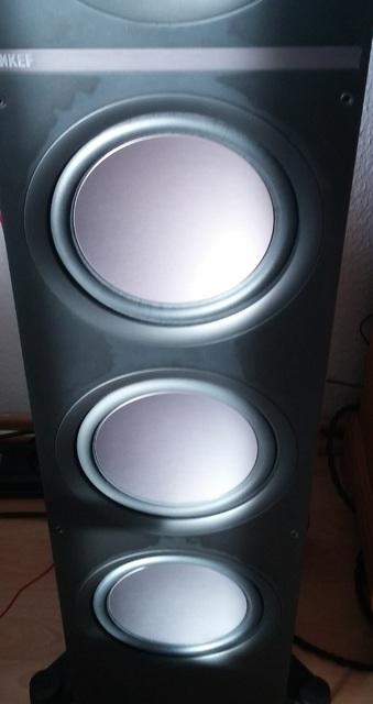 KEF Q900