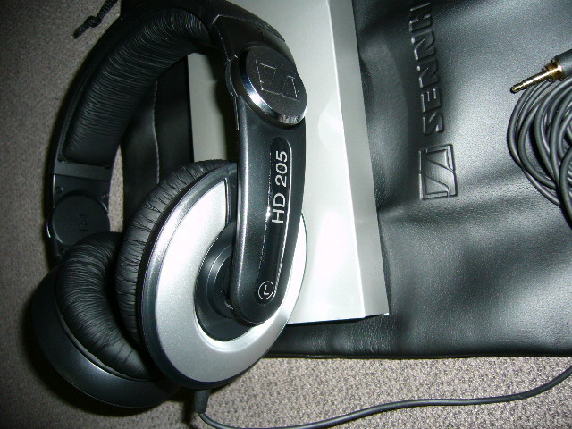 HD205
