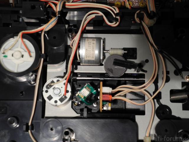 Denon DCD-910 Laufwerk Von Unten