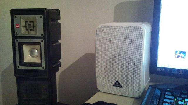 Sony 8ohm 10watt Sinus / Behringer 1c