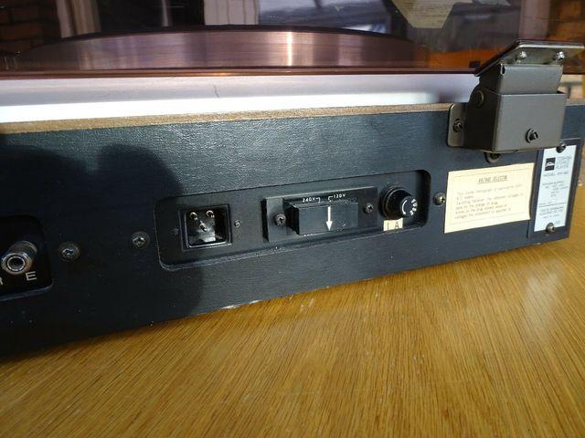 Toshiba SR-80 Voltage Selector