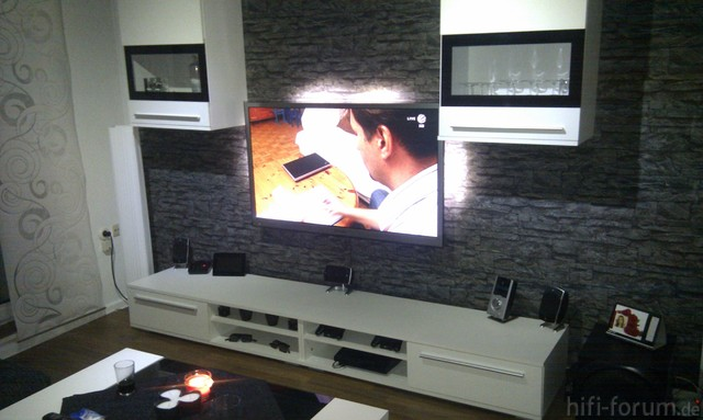 samsung lcd s led s tv bilder bildergalerie samsung hifi forum seite 8. Black Bedroom Furniture Sets. Home Design Ideas