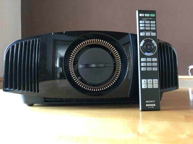 Sony VPL-VW500