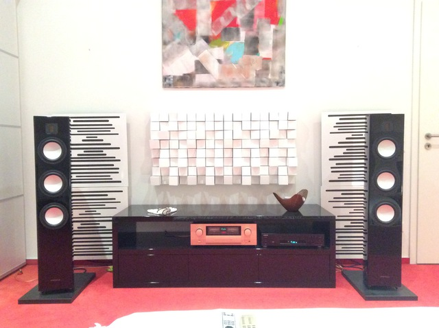 Arcona 100 an Accuphase E-360