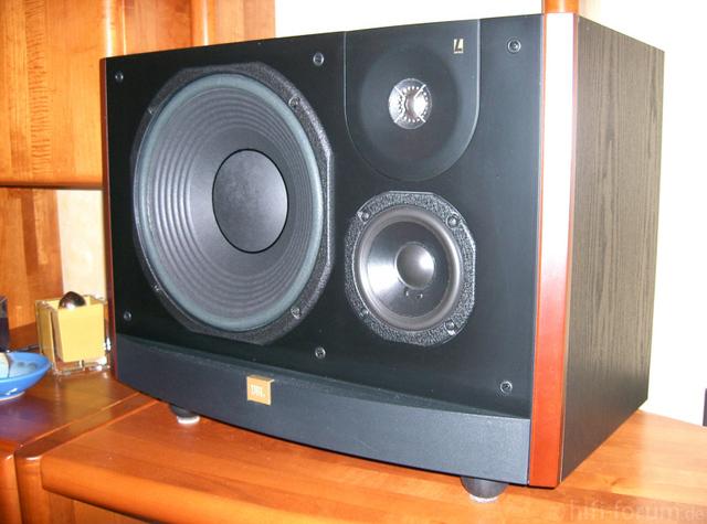JBL L90 1