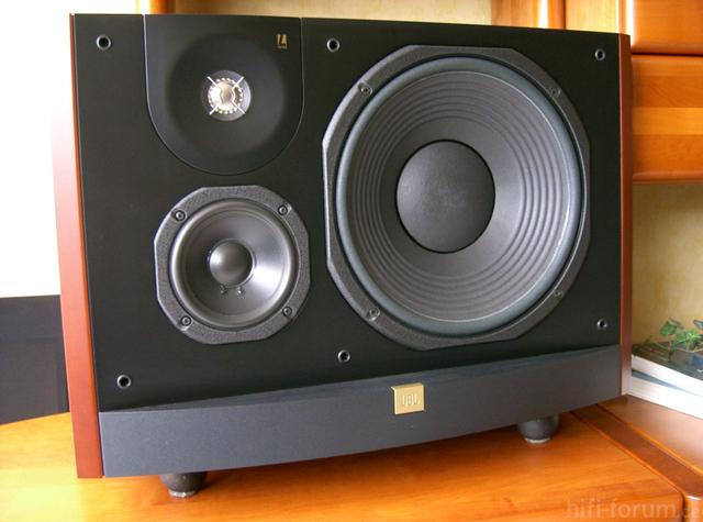 JBL L90 3