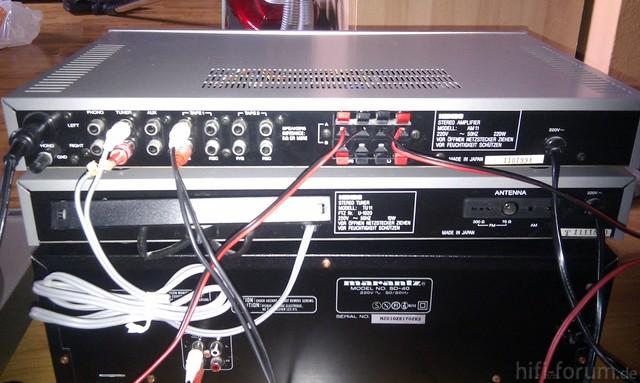 Amplifier Und Tuner Hinten