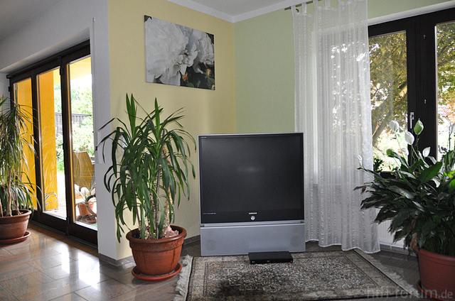 ambilight bei aufstellung in der ecke sinnvoll philips hifi forum. Black Bedroom Furniture Sets. Home Design Ideas