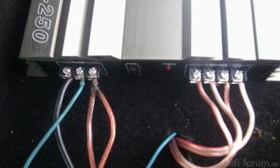 Stromversorgung Und Lautsprecheranschluss