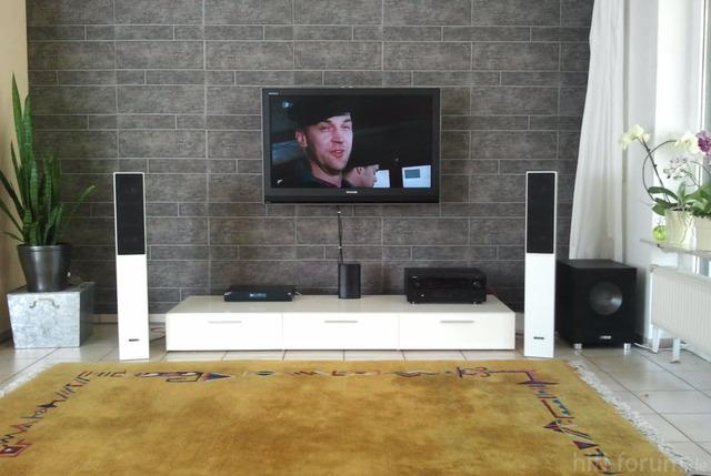 ikea wohnwand aufh ngen interessante ideen f r die gestaltung eines raumes in. Black Bedroom Furniture Sets. Home Design Ideas