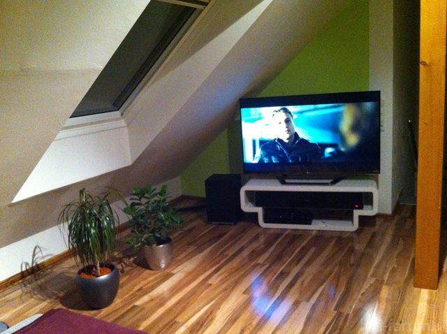 TV-Ecke links
