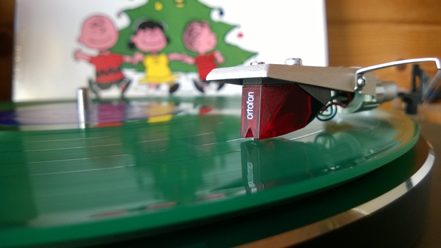 CEC 8200 DD mit Ortofon 2M Red Vince Guaraldi Trio ?? A Charlie Brown Christmas (II)