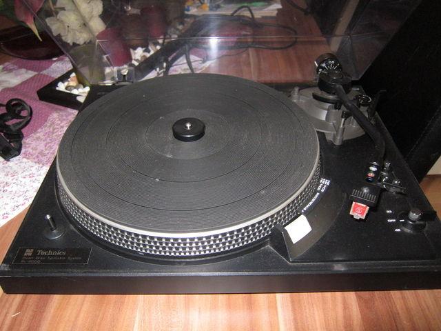 TECHNICS SL-2000 Plattenspieler