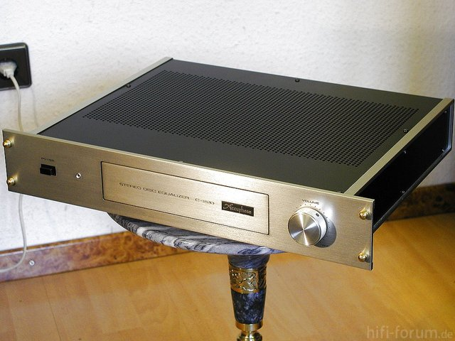 Accuphase C-220 (A)
