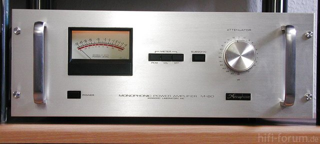 Accuphase M-60 Front
