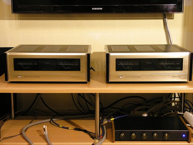 Accuphase P-360 Paar