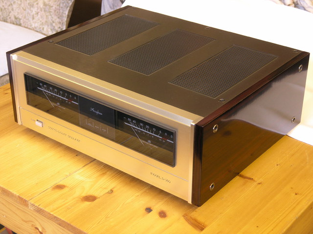 Accuphase P-360